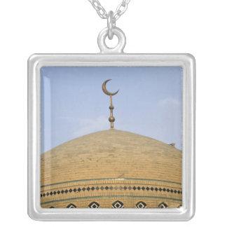 Mirjaniyya Madrasa、バグダッド、イラク シルバープレートネックレス