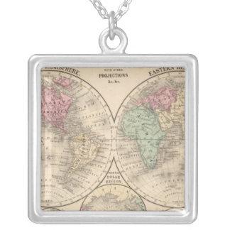Mitchell著世界半球の地図 シルバープレートネックレス