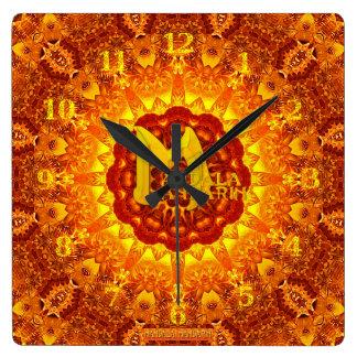 MMのロゴの火の曼荼羅の時計 スクエア壁時計