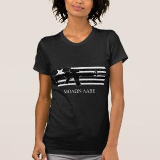 Molon Labe M4の旗のワイシャツの暗闇 Tシャツ