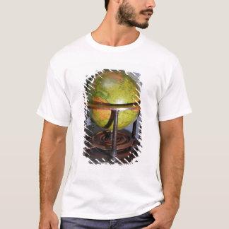 Molyneuxの地球 Tシャツ