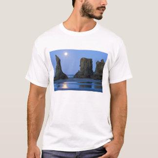 MoonsetのBandonのビーチ、オレゴン Tシャツ