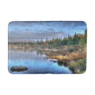 Moosehead湖メインの秋の日の出 バスマット