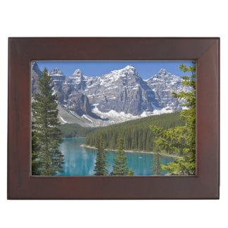 moraine湖、カナダ人ロッキー山脈、アルバータ、カナダ ジュエリーボックス