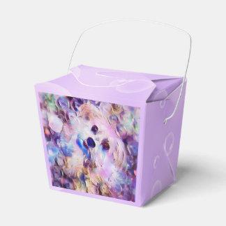 Morkieの小犬の紫色の泡は好意箱を取ります フェイバーボックス