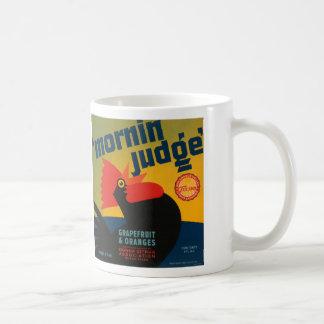 Morninの裁判官のグレープフルーツおよびオレンジ コーヒーマグカップ