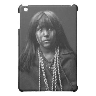 Mosa -エドワードS.カーティス著モハーベの女性 iPad Miniケース