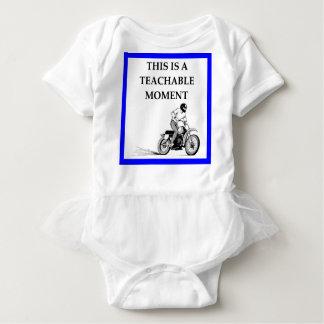 moto ベビーボディスーツ