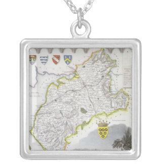 「Mouleの英語からのカンバーランドの地図、 シルバープレートネックレス