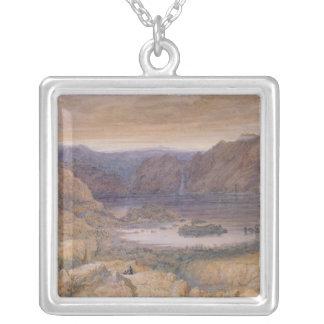 mountain湖、ノルウェー、c.1827 シルバープレートネックレス