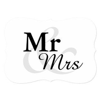 Mr&Mrsのシンプルでエレガントなタイポグラフィの結婚 カード
