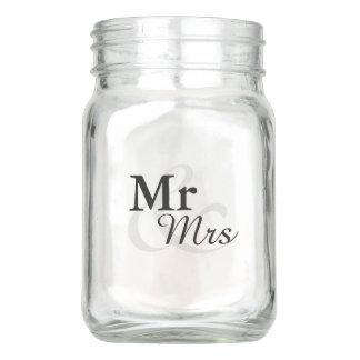 Mr&Mrsのシンプルでエレガントなタイポグラフィの結婚 メイソンジャー