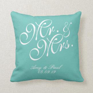 Mr.&Mrs.Personalizedのティール(緑がかった色) クッション
