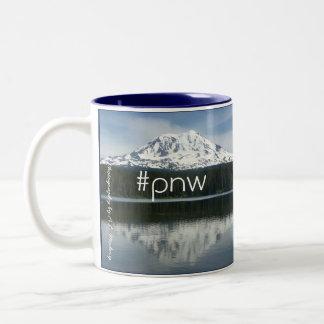 Mtアダムスの#pnw (hashtagの太平洋の北西) ツートーンマグカップ