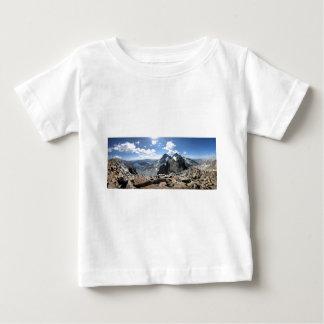 Mtデービスからの1000年のisland湖そして旗のピーク ベビーTシャツ