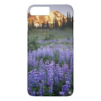Mt.アダムスおよび副高山草原上の日没 iPhone 8 Plus/7 Plusケース