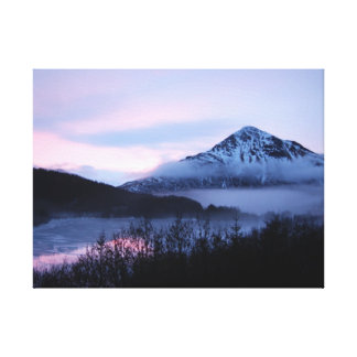 Mt.バロメーター及びLake LouiseのKodiak、アラスカ キャンバスプリント