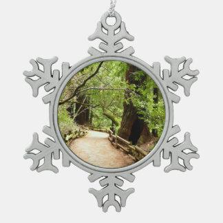 Muirの森道IIの自然の写真撮影 スノーフレークピューターオーナメント
