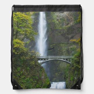 Multnomahの滝、オレゴン ナップサック