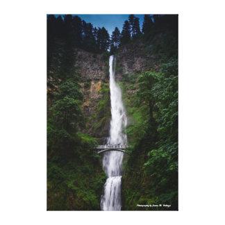 Multnomahの24 x 36滝 キャンバスプリント