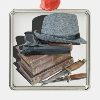 MurderMysteryBooksGunKnivesFedora042113.png メタルオーナメント