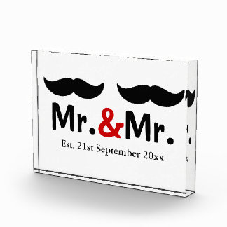 Mustache Gay Wedding Customizable氏および氏 表彰盾