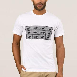 Muybridgeの連続した馬 Tシャツ