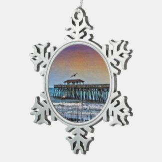 Myrtle Beach -雪片Ornamの桟橋の絵画 スノーフレークピューターオーナメント
