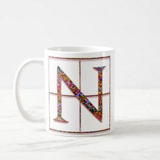 """Nの""""ケルト族の煉瓦""""カスタムなモノグラムのマグ コーヒーマグカップ"""