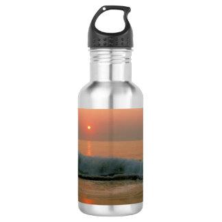 N.カロライナのビーチの日没 ウォーターボトル