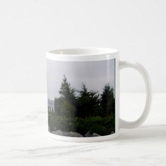 N Sの歓迎された中心 コーヒーマグカップ