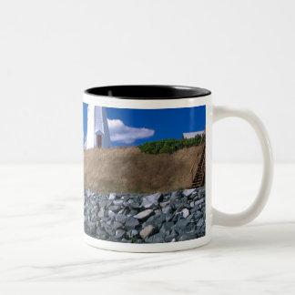 NA、カナダ、ニューブランズウィックのCampobelloの島。 5 ツートーンマグカップ