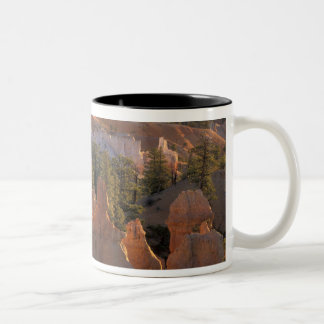 NA、米国、ユタのブライス渓谷NP 2 ツートーンマグカップ