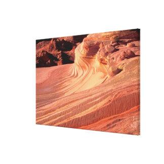 NA、米国、ユタの朱色の崖。 コヨーテのビュート キャンバスプリント