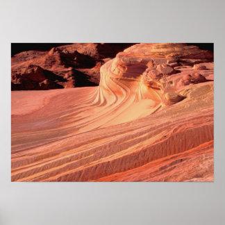 NA、米国、ユタの朱色の崖。 コヨーテのビュート ポスター