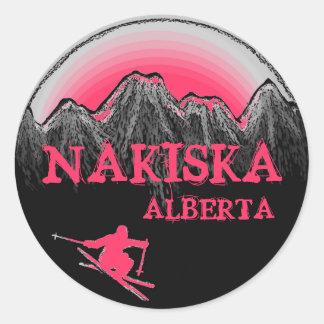 Nakiskaアルバータカナダのピンクのスキーヤーのステッカー ラウンドシール