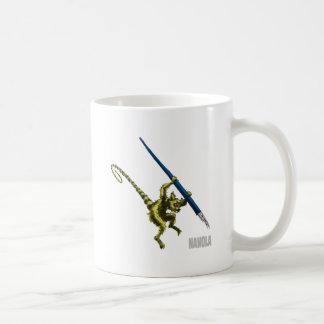 NaNoLA -万年筆を持つLemur コーヒーマグカップ