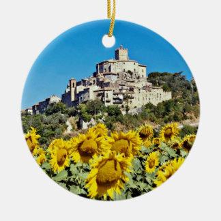 Narni、ウンブリア州、イタリアの丘の町は開花します セラミックオーナメント