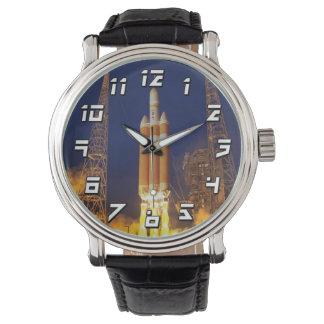 NASAオリオンの宇宙船のロケットの進水 腕時計
