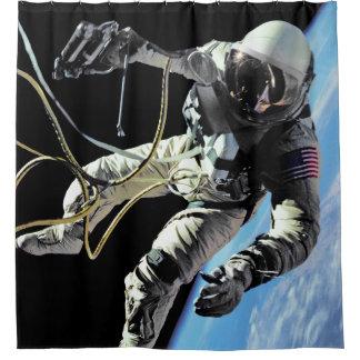 NASA第1のアメリカの宇宙飛行士の宇宙遊泳の写真 シャワーカーテン