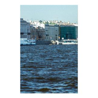 nevaの川セント・ピーターズバーグロシアの宮殿 便箋