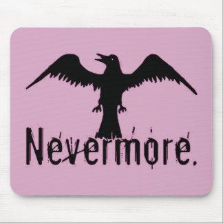 Nevermoreピンクの種族のワタリガラス マウスパッド