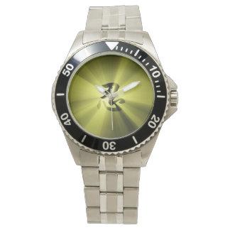 NINの漢字の金ゴールドの星が付いているクラシックなステンレス鋼 腕時計