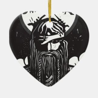 Norseの神Odinおよび車輪の記号 陶器製ハート型オーナメント