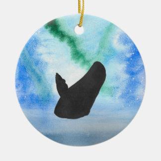 Northern Lightsを持つクジラ セラミックオーナメント