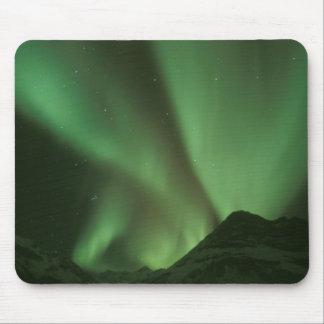 Northern Lights、ふもとの小丘のオーロラのborealisの マウスパッド