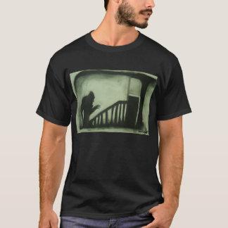 Nosferatuは階段はいます Tシャツ