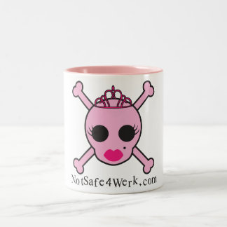 NotSafe4Werk.comのピンクのスカルのマグ ツートーンマグカップ