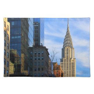 NYCのスカイライン: クライスラの建物のミッドタウンの眺め ランチョンマット
