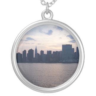 NYCのスカイライン-ネックレス シルバープレートネックレス